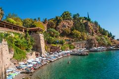 De panoramische vogelmening van Antalya en Mediterrane zeekust en is stock foto's