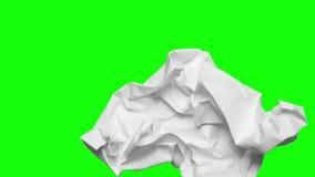 De papel amarrotado no fundo de tela verde vídeos de arquivo
