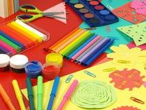De papier-besnoeiing van kinderen Stock Fotografie