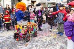 De parade van Bazel Carnaval 2019 met confettien royalty-vrije stock fotografie