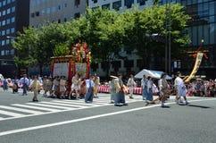 De parade van het Gionfestival in de zomer, Kyoto Japan Stock Foto