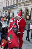 de parade van Santa Clauses op motorfietsen Stock Afbeelding