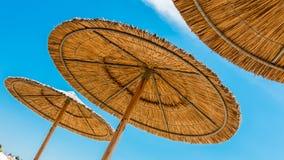 De paraplu's van het rietstrand Royalty-vrije Stock Foto