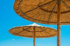 De paraplu's van het rietstrand Royalty-vrije Stock Afbeelding