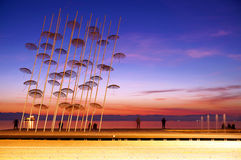 De Paraplu'sinstallatie te de Nieuwe Waterkant van Thessaloniki Stock Afbeeldingen