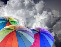 De paraplu van de regenboog Stock Afbeeldingen