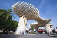 De Parasol houten die structuur van Sevilla - Metropol-bij het vierkant van La wordt gevestigd Encarnacion Stock Foto