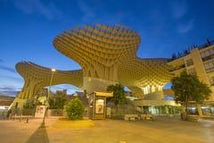 De Parasol houten die structuur van Sevilla - Metropol-bij het vierkant van La wordt gevestigd Encarnacion Stock Afbeeldingen