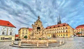 De Parnasfontein op Zerny trh regelt in de oude stad van Brno, Tsjechische Republiek Stock Foto's