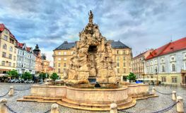 De Parnasfontein op Zerny trh regelt in de oude stad van Brno, Tsjechische Republiek Stock Fotografie