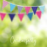 De partij van de verjaardagstuin of Braziliaanse juni-partij, vectorillustratie met slinger van partijvlaggen en vage achtergrond royalty-vrije illustratie
