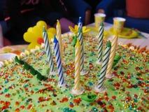 De partijkaarsen van de verjaardag stock foto's