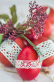 De Pascua todavía de los huevos vida roja Foto de archivo
