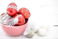 De Pascua todavía de los huevos vida roja Imagen de archivo