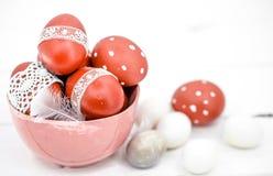 De Pascua todavía de los huevos vida roja Fotos de archivo
