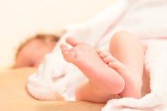 De pasgeboren Voeten van de Baby Royalty-vrije Stock Afbeelding