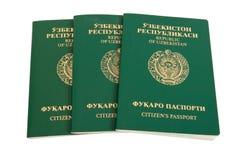 De paspoorten van Oezbekistan Stock Afbeeldingen