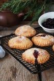 De pastei van de bosbessenhand Stock Foto's