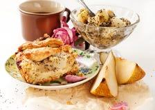 De pastei van de appel en van de peer met een kop thee en een jam Royalty-vrije Stock Afbeeldingen