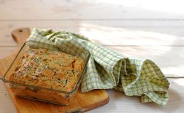 De Pastei van de aubergine en van de Tomaat Stock Fotografie