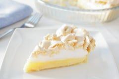 De pastei van het citroenschuimgebakje Stock Foto