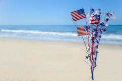 De patriottische achtergrond van de V.S. op het zandige strand Royalty-vrije Stock Foto's