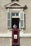De paus Francis zegent gelovig Royalty-vrije Stock Foto