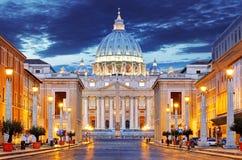 De Pauselijke Basiliek van Heilige Peter in het Vatikaan Stock Foto
