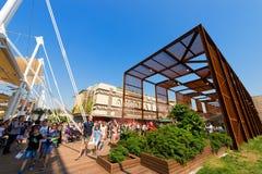 De Paviljoenen van Angola en van Brazilië - Expo Milaan 2015 Stock Foto