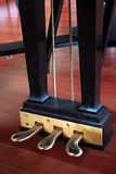 De Pedalen van de piano stock afbeeldingen