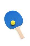 De peddel en de bal van de pingpong Stock Fotografie