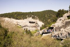 De pelgrims van de Longmen-Grotten in Luoyang royalty-vrije stock afbeelding