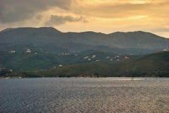 De Peloponnesus bij zonsondergang Stock Afbeeldingen