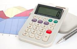De pen en de grafiek van de calculator Stock Fotografie