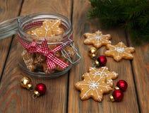 De peperkoekkoekjes van Kerstmis Stock Fotografie