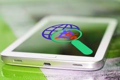 De percenten ondertekenen en planeten op het uw telefoonscherm royalty-vrije stock afbeelding