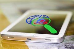 De percenten ondertekenen en planeten op het uw telefoonscherm royalty-vrije stock foto