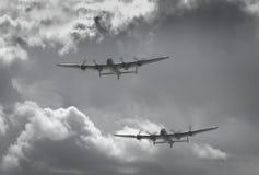 De perfekta paren av Lancaster bombplaner Arkivbilder