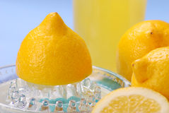 De pers van de citroen Royalty-vrije Stock Afbeeldingen