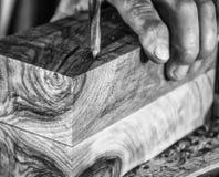 De pers van de schrijnwerkerijboor op houten dichte omhooggaand royalty-vrije stock foto's
