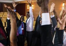 De personnes d'affaire de travail d'équipe de mains association diverse ensemble photos libres de droits