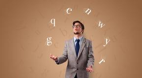 De persoon jongleert met met brieven royalty-vrije stock afbeelding