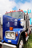 De Peterbuilt caminhão semi com estrelas & pintura das listras Fotografia de Stock Royalty Free