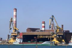 De petrochemische industrie royalty-vrije stock afbeelding