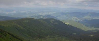 De Petros e de Hoverla para estalar Ivan no cume montenegrino foto de stock