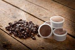 De peulen van de koffie Stock Afbeeldingen