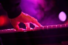 De pianist van Antibalas (band) presteert bij het Correcte 2014 Festival van Heineken Primavera (PS14) Royalty-vrije Stock Afbeeldingen