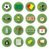 De Pictogrammen van de voetbalvoetbal geplaatst vlak ontwerp met lange schaduw Royalty-vrije Stock Afbeeldingen