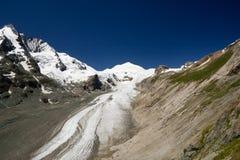 De piek Grossglockner en Pasterze de gletsjer, Alpen Stock Afbeeldingen