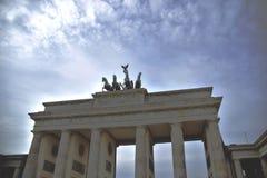 De Piek van Brandenburger in Berlijn stock fotografie